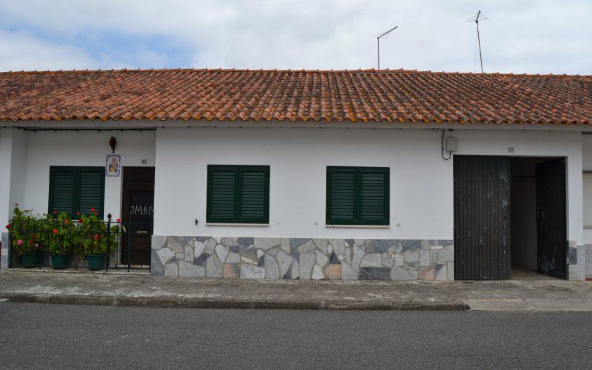 Moradia – Azinhaga